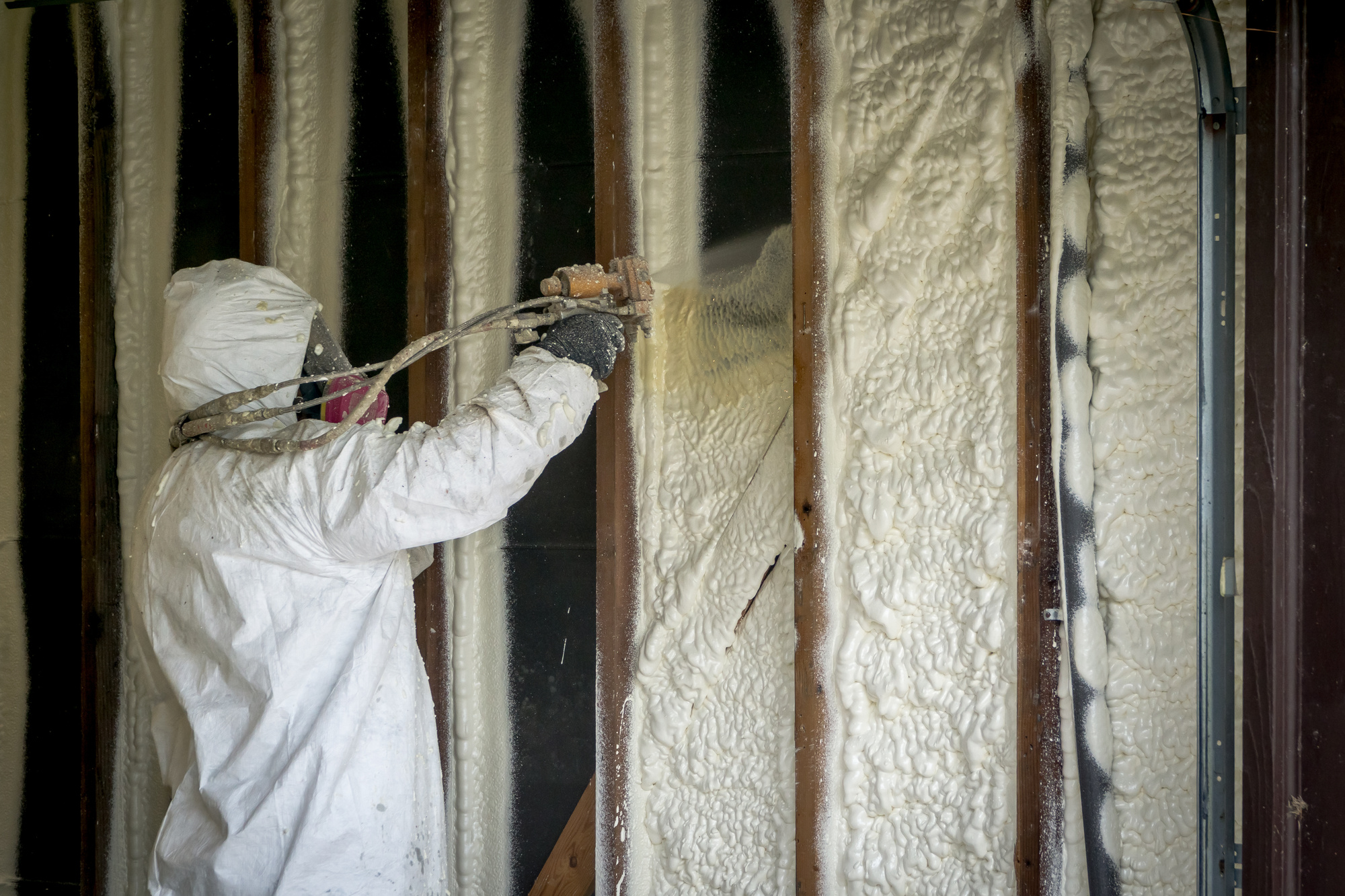 How to Pick the Right Spray Foam Rig